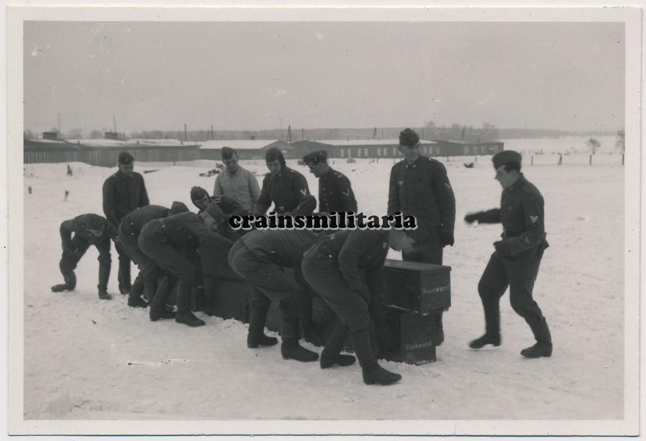 Entfernungsmesser Berlin : Orig foto flak soldaten m entfernungsmesser kiste in berlin